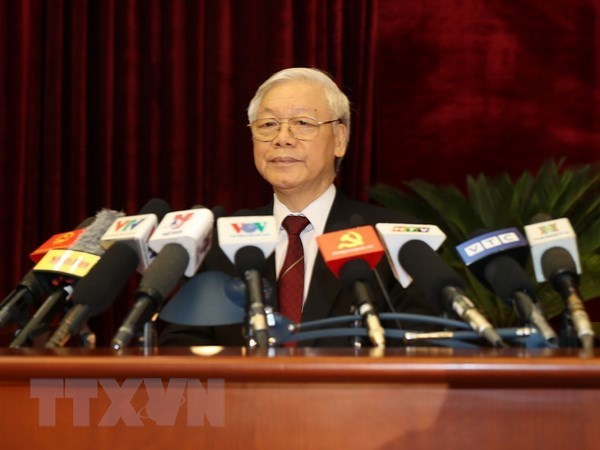 Party to focus on building contingent of capable, virtuous officials hinh anh 1