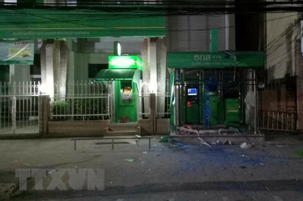 Blasts rock Thailand's four southern provinces hinh anh 1