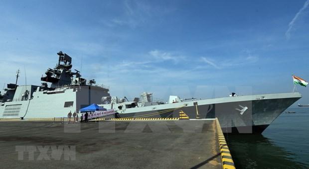 Indian naval ships visit central Da Nang city hinh anh 3