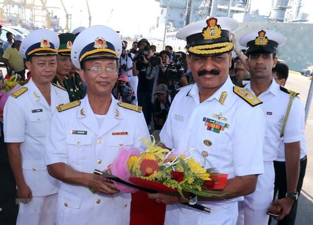 Indian naval ships visit central Da Nang city hinh anh 1