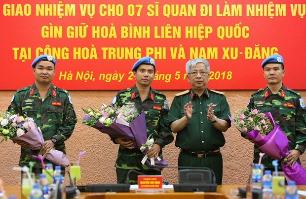 Vietnam sends seven more officers to UN peacekeeping mission hinh anh 1