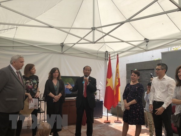 President Ho Chi Minh remembered by overseas Vietnamese hinh anh 1