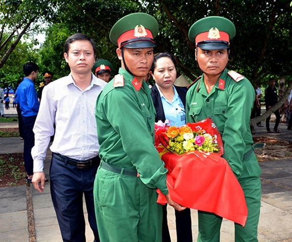 Gia Lai reburies remains repatriated from Cambodia hinh anh 1