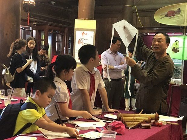 Temple of Literature plans events for children hinh anh 1