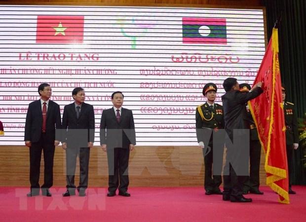 Laos awards Order of Friendship to People's Committee of Dien Bien hinh anh 1