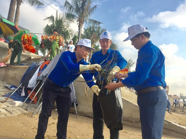 Campaign launched in Thanh Hoa to clean up marine environment hinh anh 1