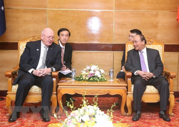 PM Nguyen Xuan Phuc meets with Australian Governor-General hinh anh 1