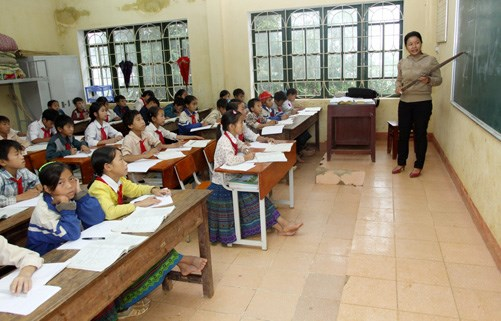 Project helps improve learning environment for ethnic minority children hinh anh 1