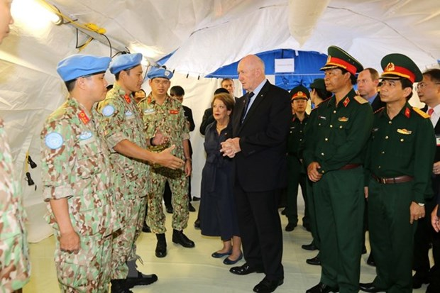 Australian Governor-General visits Vietnam's level-2 field hospital hinh anh 1