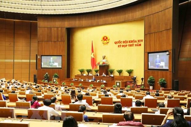 Legislators discuss socio-economic development, state budget plans hinh anh 1