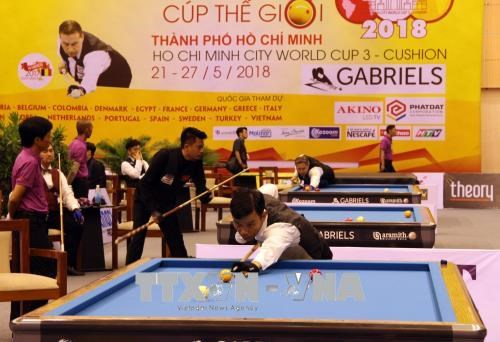 World leading cueists compete in Billiards World Cup in HCM City hinh anh 1