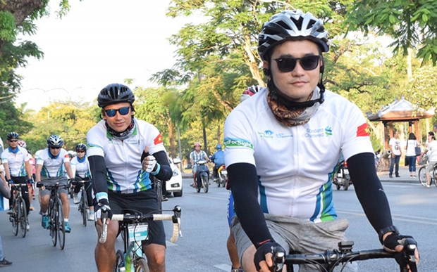 Standard Chartered raises 74,000 USD for eye care programme hinh anh 1