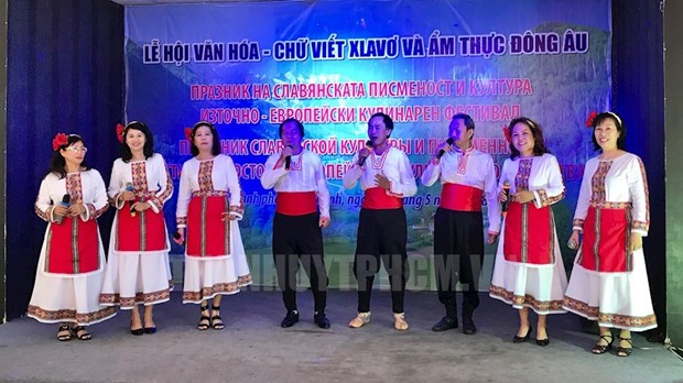 Slavic writing, culture celebrated in HCM City, Hanoi hinh anh 1