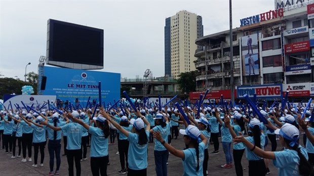More measures needed to fight smoking hinh anh 1