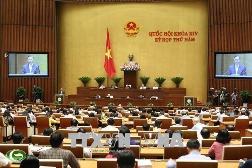 Voters urge building of complete legal framework for SOE equitisation hinh anh 1