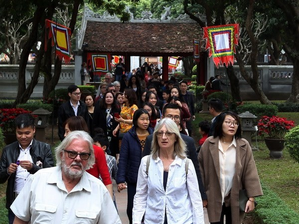 Hanoi welcomes 3 million foreign tourists in five months hinh anh 1