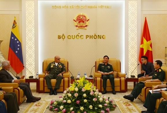 Vietnam, Venezuela step up defence ties hinh anh 1