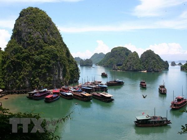 Quang Ninh promotes sea, island activities hinh anh 1