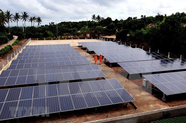Central island gets face lift thanks to solar power hinh anh 1