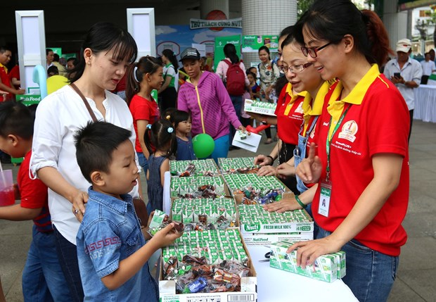 Activities held to provide better care for children hinh anh 1