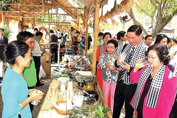 Public offered chance to taste southern specialties hinh anh 1