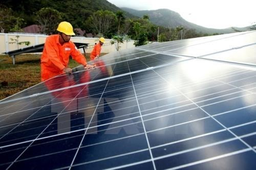 Ninh Thuan grants investment licences to nine solar power projects hinh anh 1