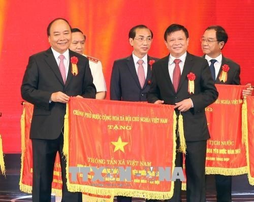 Grand meeting marks 70 years of patriotic emulation appeal hinh anh 1