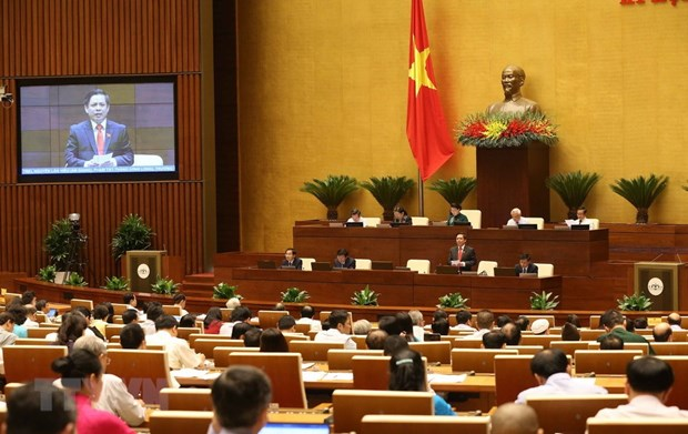 Transport minister questioned about problems of BOT projects hinh anh 1