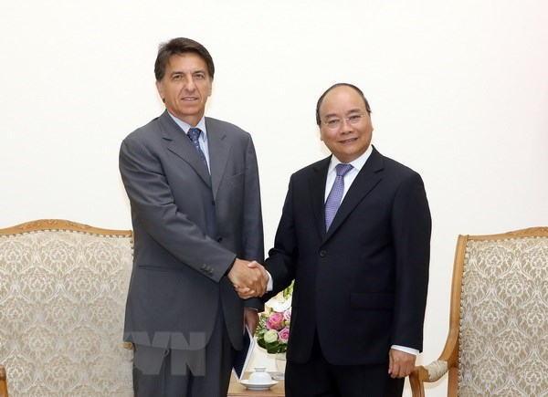Prime Minister hosts Greek Ambassador hinh anh 1