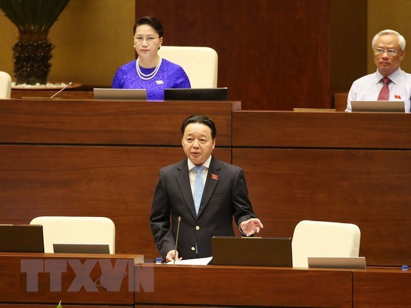 Minister admits problems in waste treatment, delayed projects hinh anh 1