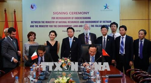 Vietnam, Italy cooperate in environmental protection hinh anh 1