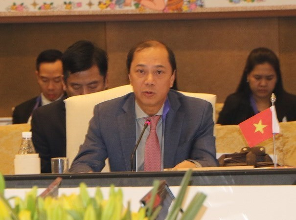 ASEAN, Chinese senior officials hold 24th consultation in Singapore hinh anh 1