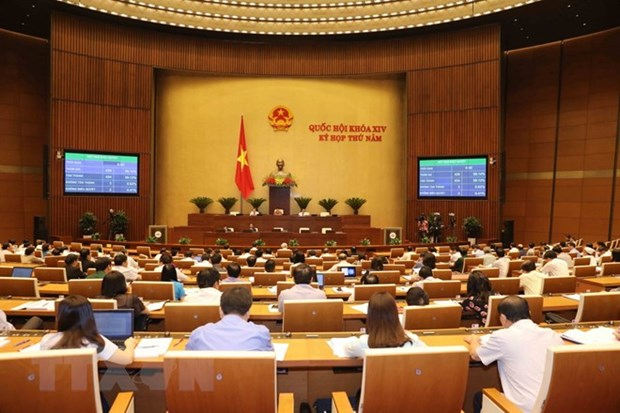 NA adopts law-building programme for 2019, adjustments for 2018 plan hinh anh 1