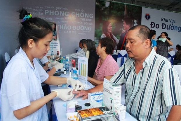 Vietnam improves capacity in non-communicable disease treatment hinh anh 1