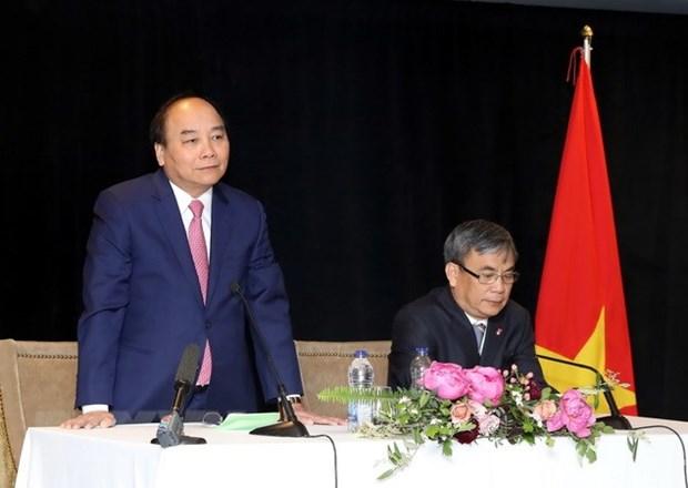 PM Nguyen Xuan Phuc meets Vietnamese expats in Canada hinh anh 1