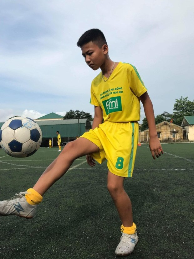Vietnamese kids to compete in int'l football event in Russia hinh anh 1