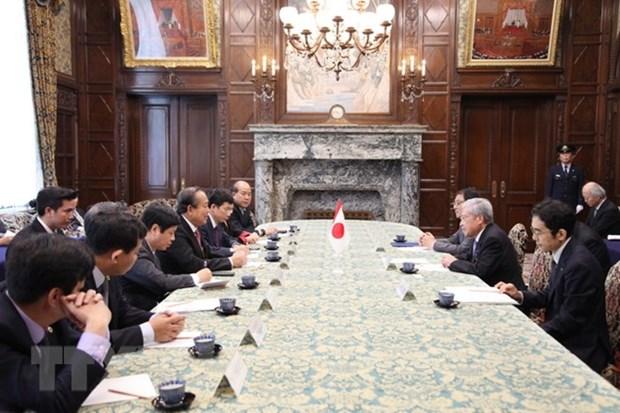 Deputy PM Truong Hoa Binh busy in Japan hinh anh 1