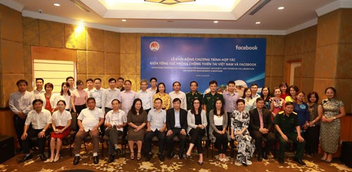 Facebook supports natural disaster response in Vietnam hinh anh 1