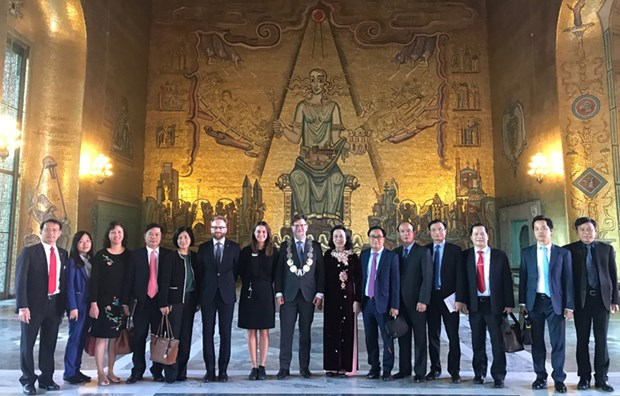 Hanoi boosts cooperation with Finland, Sweden and Austria hinh anh 3