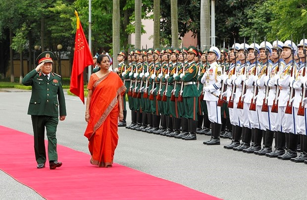 Vietnamese, Indian defence ministers hold talks hinh anh 1