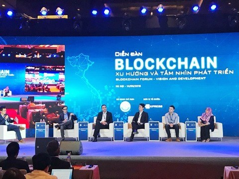 Blockchain leads the way for Industry 4.0 hinh anh 1