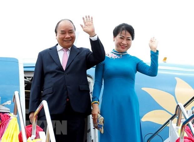 PM Nguyen Xuan Phuc arrives in Bangkok hinh anh 1