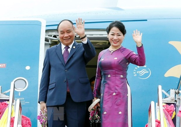 PM concludes trip to attend ACMECS 8, CLMV 9 hinh anh 1