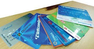 Huge number of bank cards unused hinh anh 1