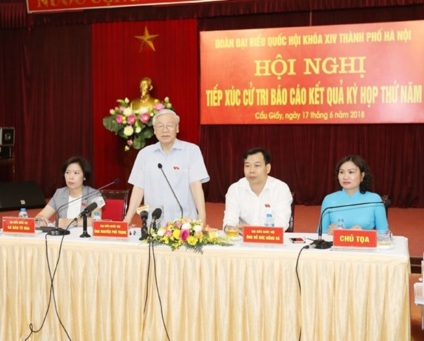 Party chief clears up concerns of Hanoi voters hinh anh 1