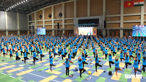 Fourth International Day of Yoga observed in Hanoi hinh anh 1