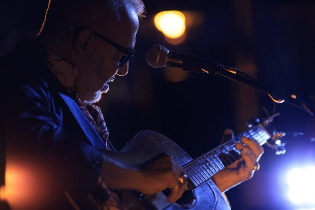 Guitarist of band 'The Police' to perform in Hanoi hinh anh 1