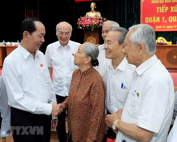 President Tran Dai Quang meets with voters in HCM City hinh anh 1