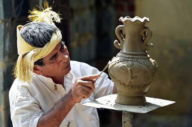 Cham's traditional craft of pottery to seek UNESCO regconition hinh anh 1