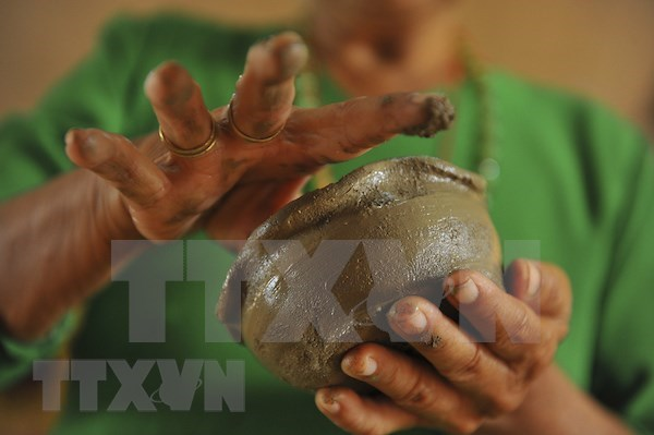 Cham's traditional craft of pottery to seek UNESCO regconition hinh anh 2